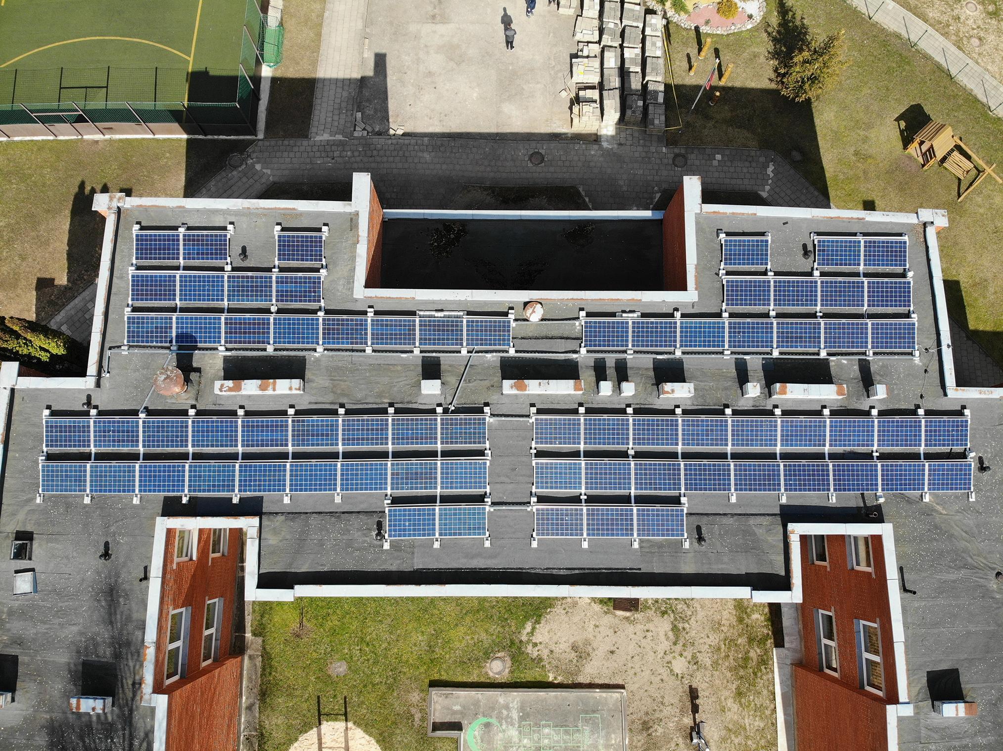Raport: Własna instalacja fotowoltaiczna sposób na niezależność energetyczną przedsiębiorstw